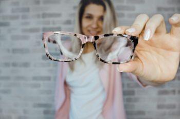 señales para llevar gafas